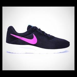 Nike Tanjun Womens Shoes